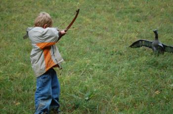 Jäger indoktrinieren Kinder
